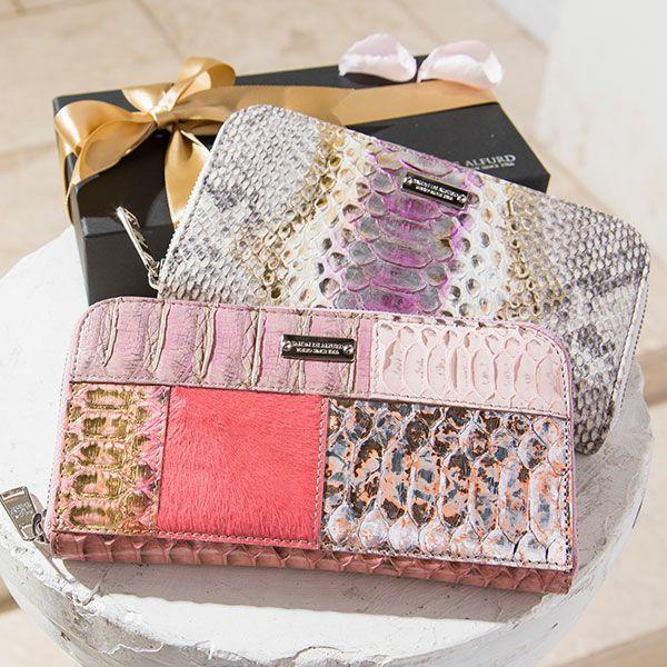 個性的で美しい模様が魅力の蛇革(パイソン)財布 SALON DE ALFURD アパショナータ パイソンロングウォレット